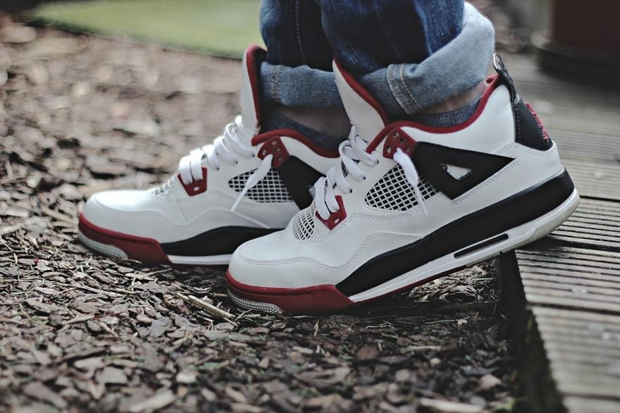 Air Jordan 4 - sneakers shoes