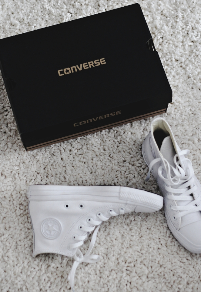 whiteconverseshoes5