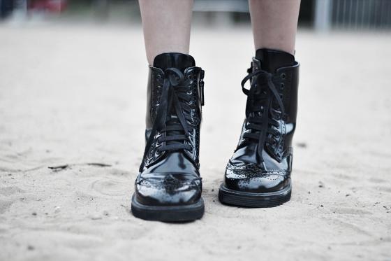 stradivarius boots